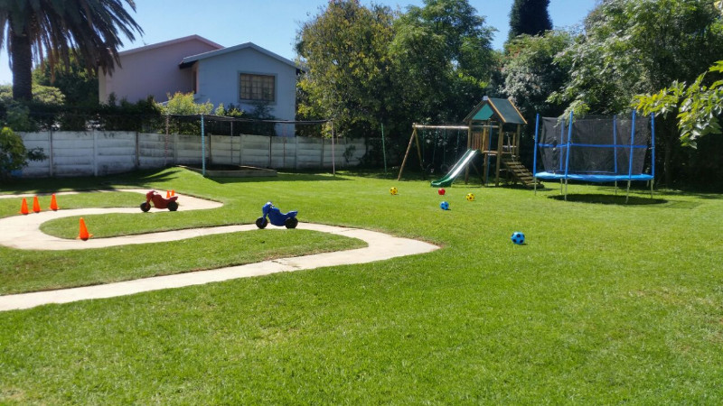 Linden montessori pre primary school Linden public swimming pool johannesburg